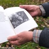 Raf Coorevits illustreerde: Heelhuids maar niet gered - Gedichten, Gerda Berckmoes. Uitgeverij Point, 44 pagina's, 1997, ISBN 9789071152542 (Archief Prentenkabinet Raf Coorevits)